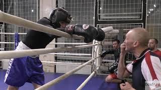 Бокс: вольный бой - легковес против тяжа (English subs)