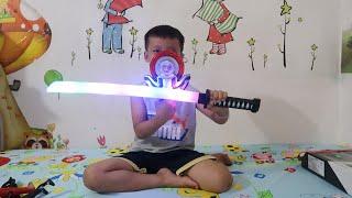 tuấn minh mua đồ chơi trung thu _ đồ chơi siêu nhân _ đồ chơi phát sáng