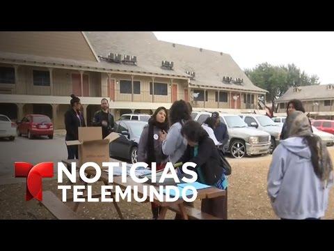Activistas orientan a inmigrantes en Dallas | Noticiero | Noticias Telemundo