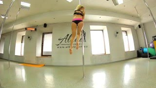 Видеоурок Pole Dance для среднего уровня  Флажок, динамический переход, шпагат Шишковой
