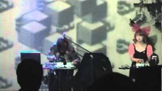 2010年9月26日、新宿MARZで行われたclub NIRGILISより、 JulieHally の...