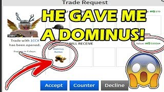 😱 HE GAVE ME A GOLDEN DOMINUS! 😱 - Best Trade EVER From 1CCX, I Got A Dominus Aureus in Roblox! 😀