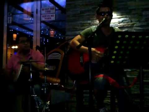 Bruno Mars - Talking To The Moon Acoustic Cover by Faizul Sany