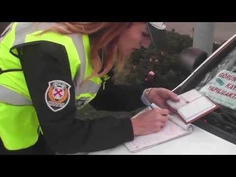 ZONGULDAK POLİSİ KIRMIZI IŞIKTA GEÇEN SÜRÜCÜLERE GÖZ AÇTIRMADI