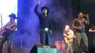 La Leyenda ft Genitallica- Yo me voy con cualquiera (en vivo) HD