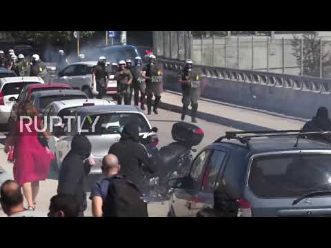 Greece: Police clash with protesters at student demo over school COVID safety in Athens