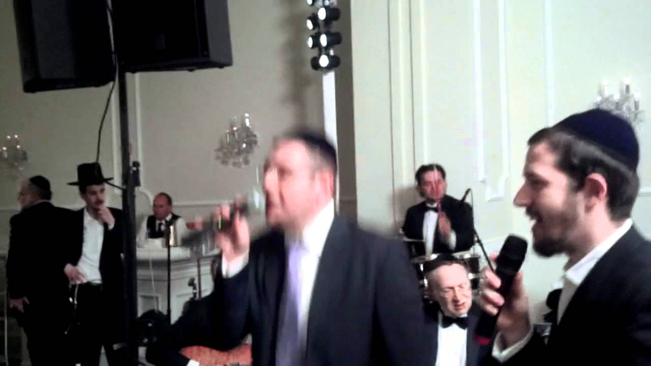 Dovid Gabay Shlomie Gertner rock away at a weeding