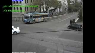 Авария на перекрестке в Хабаровске 2014(, 2014-05-17T12:40:14.000Z)
