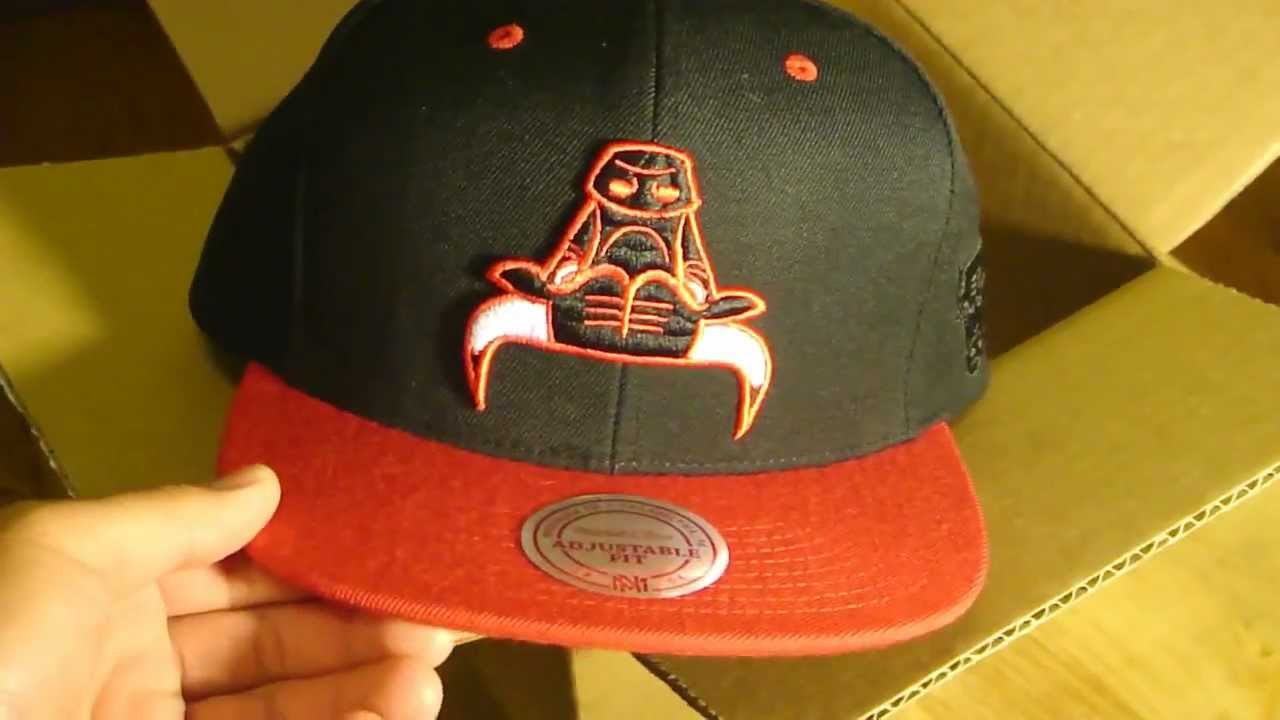 (EXCLUSIVE) Chicago Bulls NBA Snapback Unboxing - YouTube 0baee34fac38
