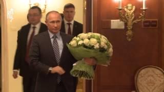 В.В. Путин поздравил Святейшего Патриарха Кирилла с юбилеем