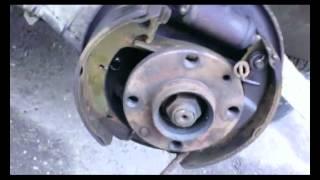 видео Замена задних тормозных колодок ваз 2109
