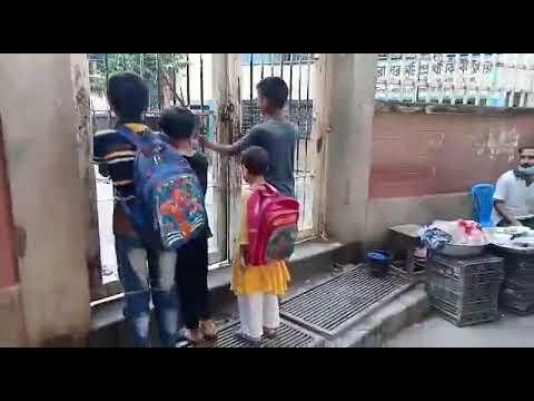 চাতক পাখির মত বন্ধ স্কুলের দিকে তাকিয়ে আছে ক্ষুদে শিক্ষার্থীরা