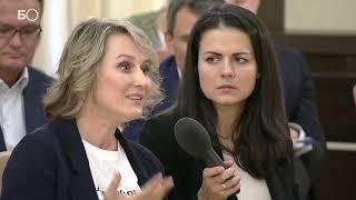 «Я сейчас без слез постараюсь вас умолять»: основательница сети кафе обратилась к Путину