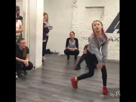 A 11 ans cette fille et la future star de la dance