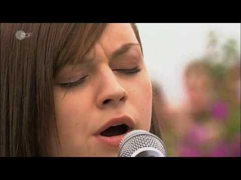 Amy Macdonald - This Is The Life,  ZDF Fernsehgarten 2008 (HQ)