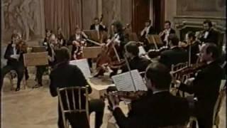Haydn - Cello concerto in C - III. Molto allegro, Maisky & Wiener Symphoniker 1987