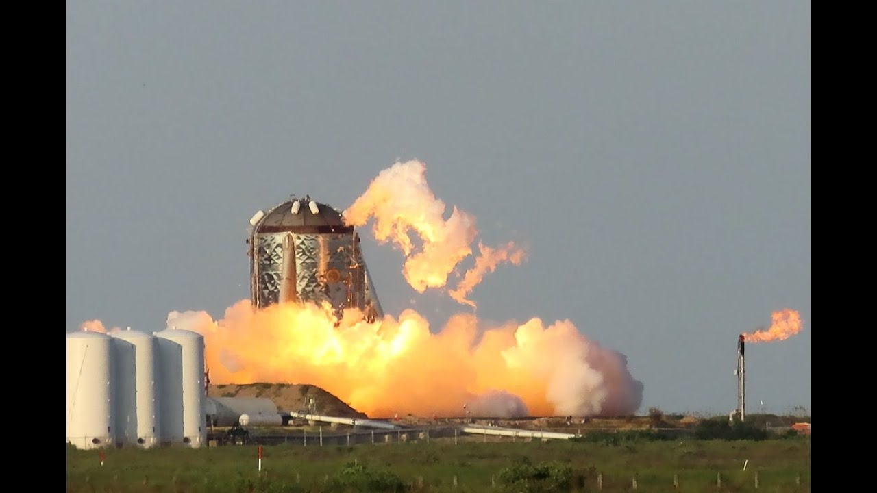 Starhopper successfully conducts debut Boca Chica Hop