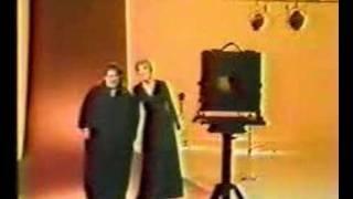 Mama Cass Elliot & Julie Andrews - Medley.
