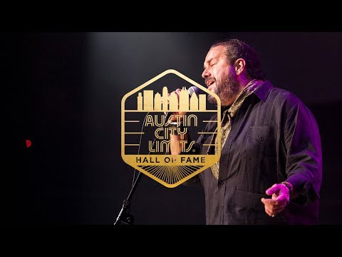 """ACL Hall of Fame 2017 Web Exclusive: Raul Malo """"Crying"""""""