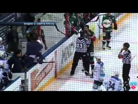 На хоккейном матче в Казани произошла массовая драка