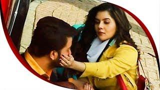 সাকিবকে কেন আদর করছে পায়েল   Bhaijaan Elo Re Shakib Khan   Payel
