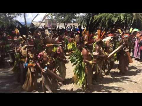 A Sing-sing in Chimbu Province Papua Nueva Guinea