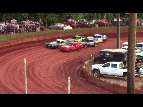Winder Barrow Speedway Stock Eight Cylinders Feature Race 6/3/17