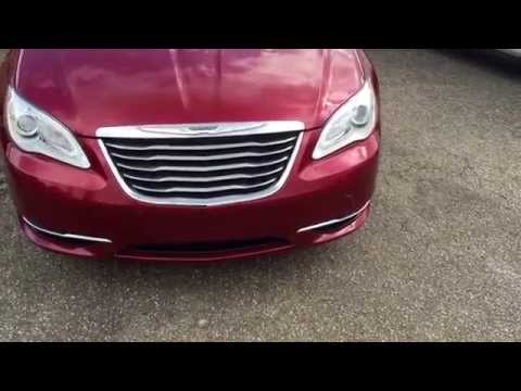 2014 Chrysler 200 - Review