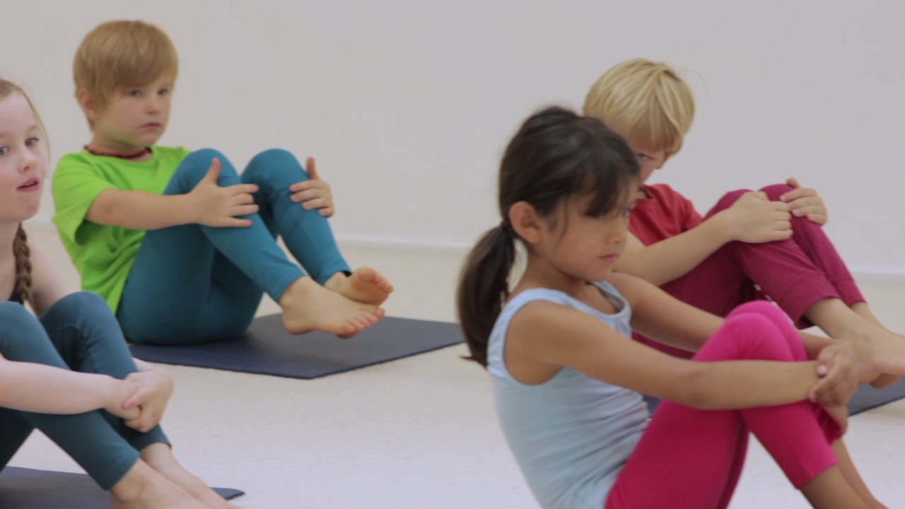 Creative Yoga Games for Kids - Meow