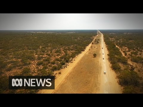 Indigenous teenagers find a connection to country at the sacred lands of Lake Mungo | ABC News
