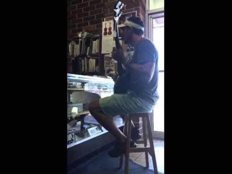 Tallahassee Jam at Gordon's Music Store. ⏳👓😁💈🙏🏽