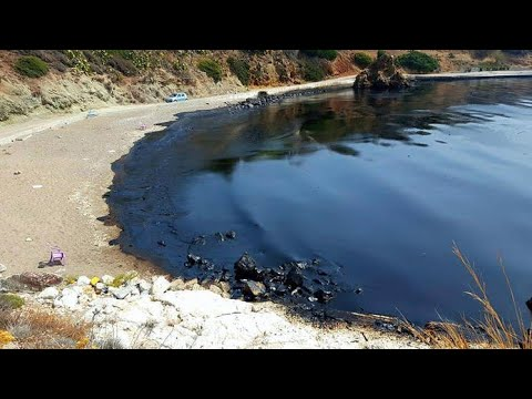 Oil spill Greece Salamina Island