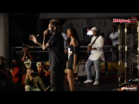 Kwesta & Thabsie perform Ngiyaz'fela ngawe' with a live band