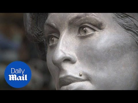 Mitch Winehouse talks at the unveiling of Amy's Camden statue - Daily Mail