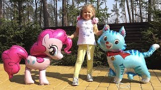 Dina and her toys have a great Forest Adventure!