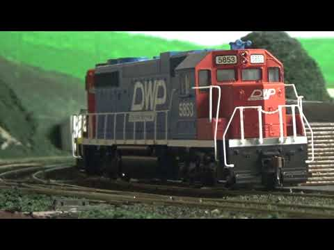 REALISTIC HO Scale Operating Session w/Radio Chatter and Dubbed Audio