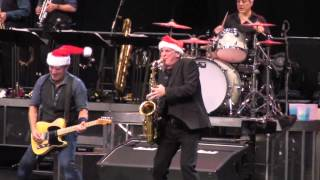 "Bruce Springsteen ""Santa Claus is Coming to Town"" Glendale, AZ 12-6-12"