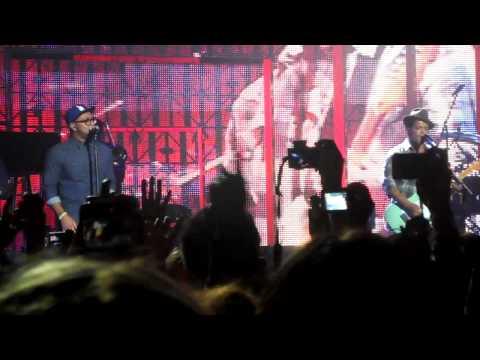 Bruno Mars & Phillip Lawrence- Billionaire Duet. *LIVE 2nd November 2011*
