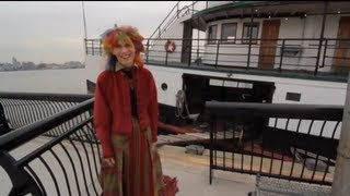 These people live on the oldest vessel on the eastern seaboard - OffBeat Spaces Video Thumbnail