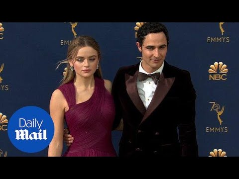 Joey King and Zac Posen rock maroon on the 2018 Emmy red carpet