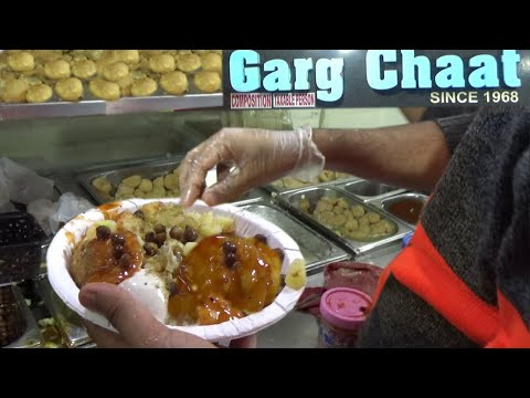 Enjoy Unique Taste Of Chat At World Famous Garg Chaat Centre | Astonishing Pani Puri And Much More