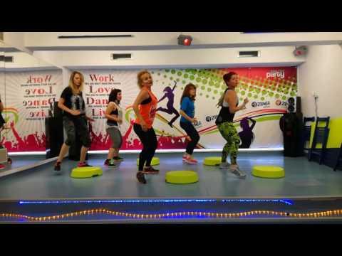 Zumba® Step Choreo ~ Luis Fonsi - Despacito ft. Daddy Yankee