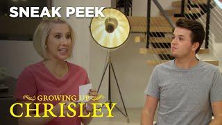 Growing Up Chrisley | Sneak Peek: Savannah Beats Everyone At Question Game | Chrisley Knows Best