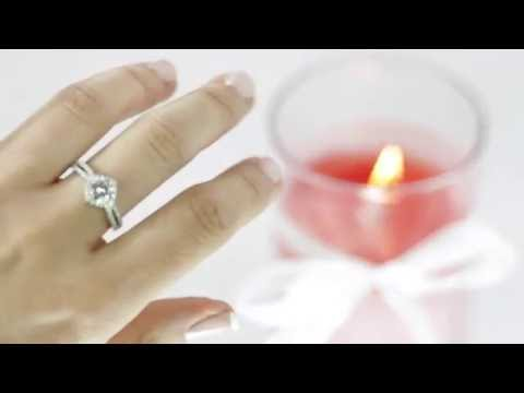 The perfect gift! - Scented Candle with White Ring inside!