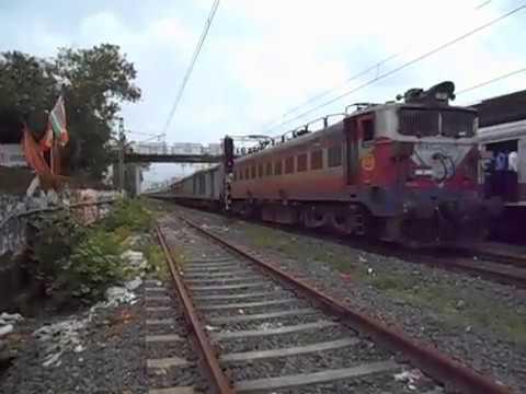 ET WAG-5 With LHB Super Fast 22993 Bandra(T)- Mahuva Express