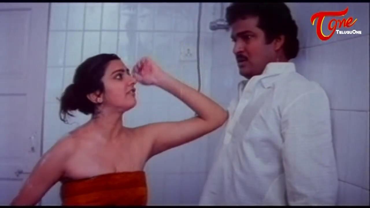 Rajendra Prasad And Surabhi Romance In Bath Room    Best ...