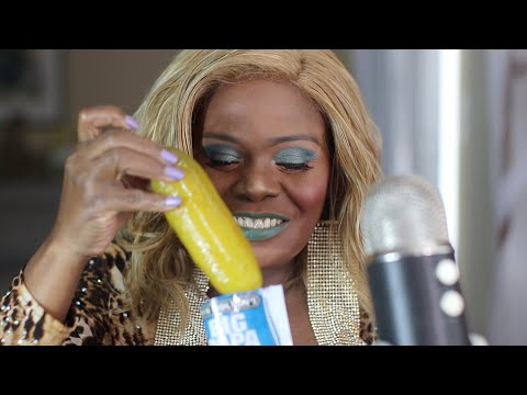 single-harty-dill-pickle-asmr-eating-sounds