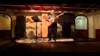Евгений Бобков поет для друзей