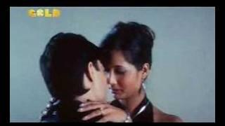 Video shruti sharma kissing download MP3, 3GP, MP4, WEBM, AVI, FLV November 2017