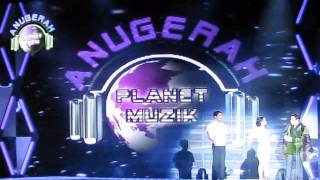 Glam TV: Hafeez Glamour & Syahrini Presenting Awards at Anugerah Planet Musik 2013